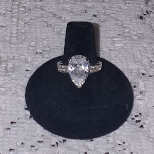 New Sparkly Pear Shaped CZ Ring Size 8
